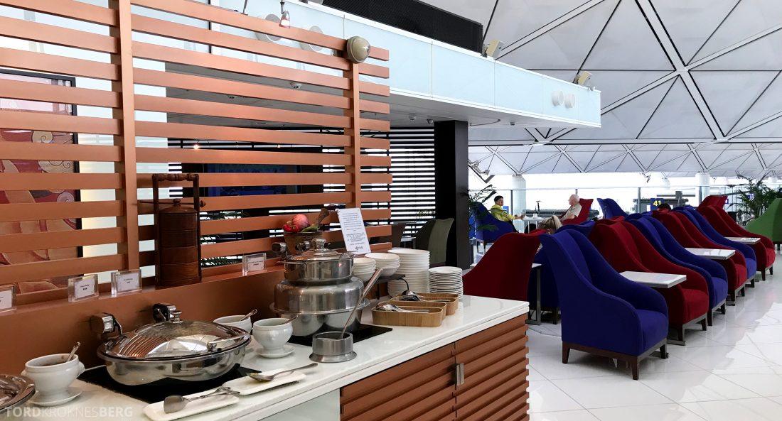 THAI Airways Royal Orchid Lounge Hong Kong buffet utsikt