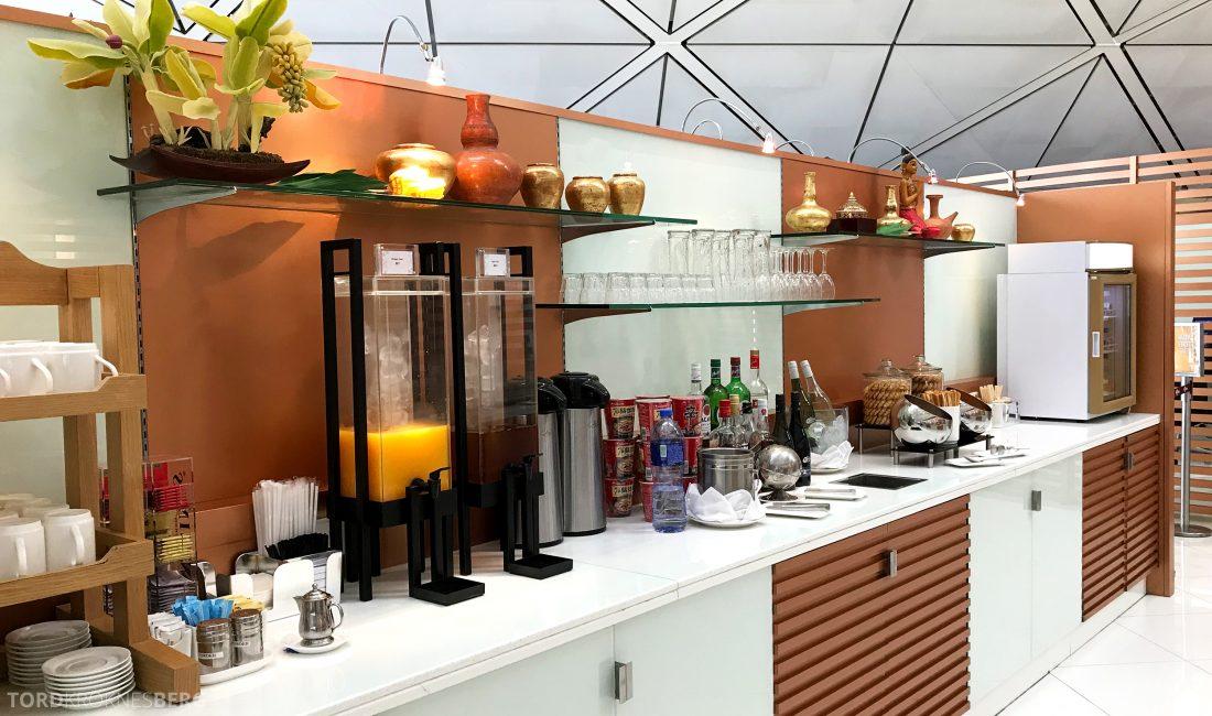 THAI Airways Royal Orchid Lounge Hong Kong buffet