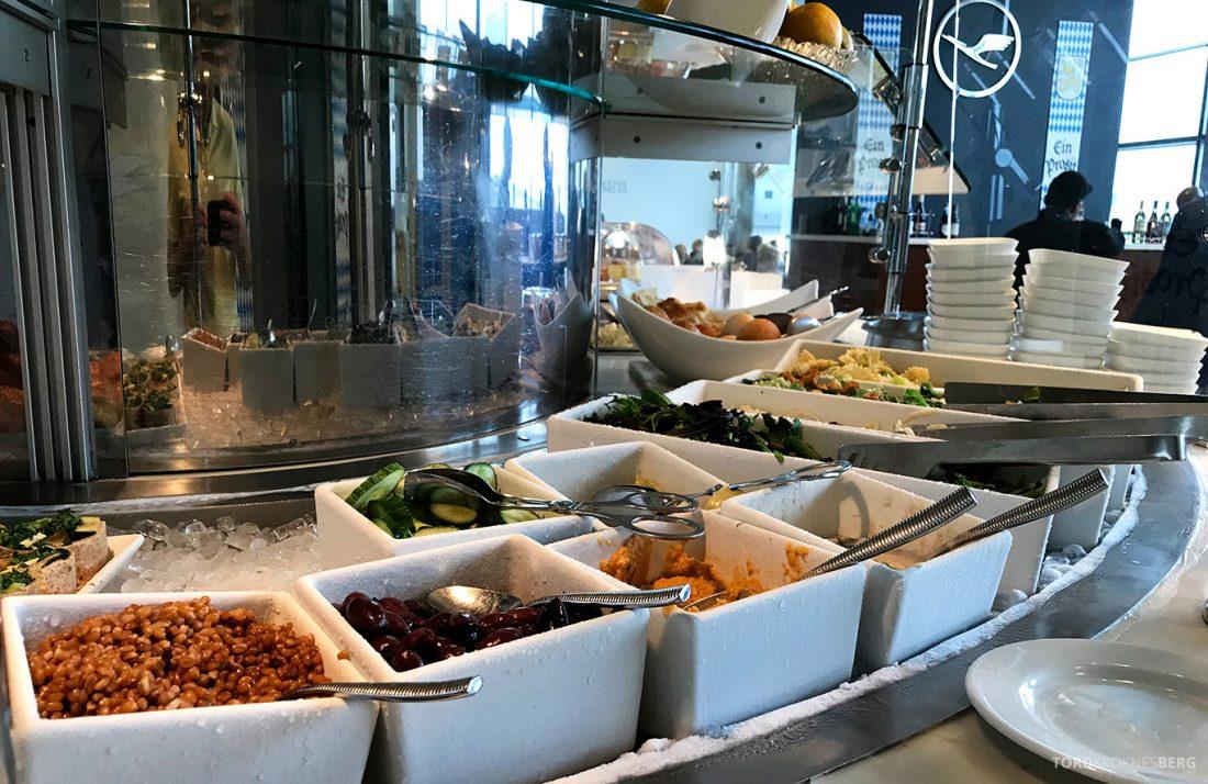 Lufthansa Senator Lounge Washington salatbar