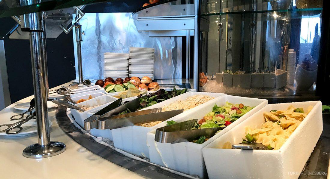 Lufthansa Senator Lounge Washington salat
