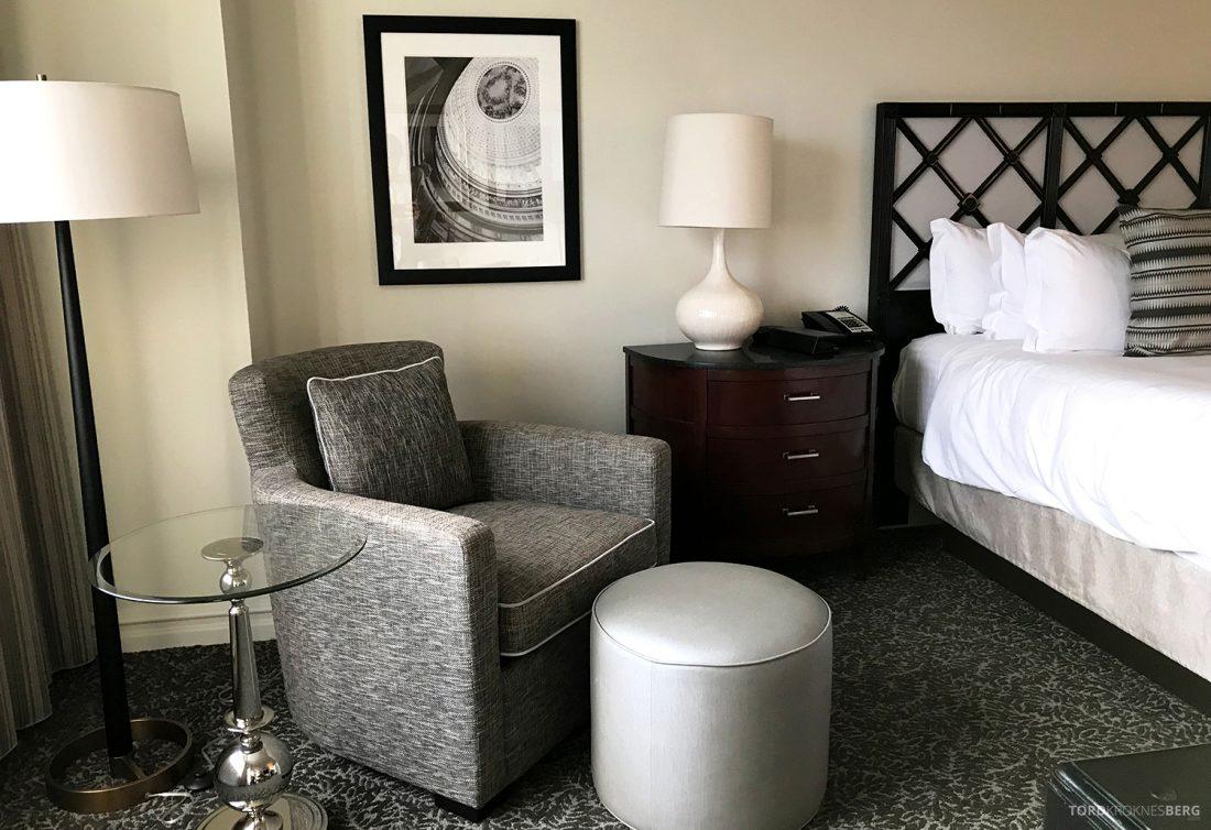 Ritz-Carlton Pentagon City Hotel sofastol