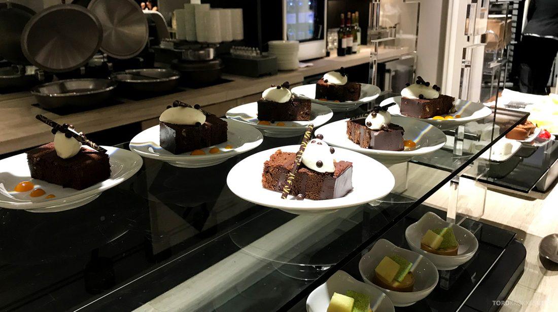 Ritz-Carlton Pentagon City Hotel Club Lounge kaker