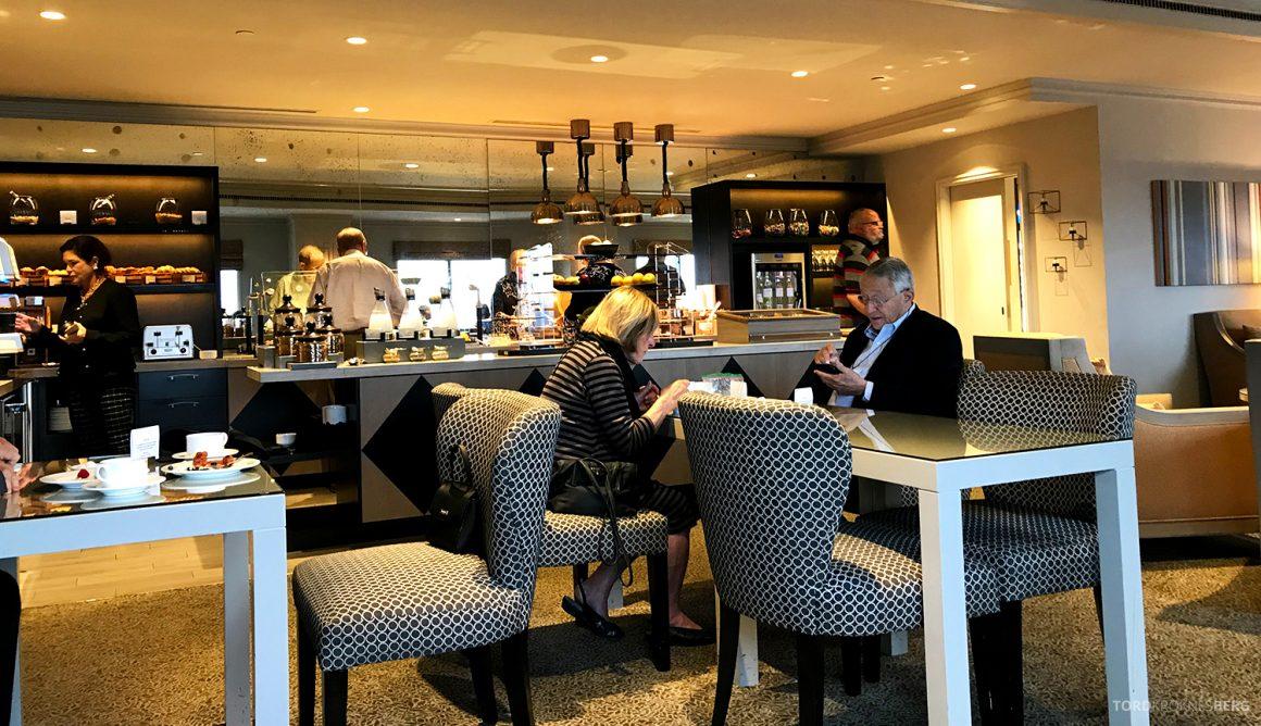 Ritz-Carlton Pentagon City Hotel Club Lounge utsikt mot buffet