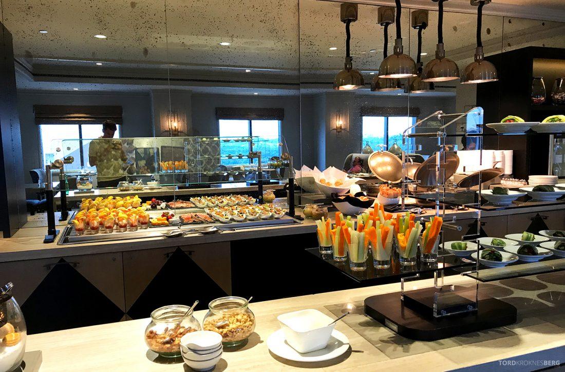 Ritz-Carlton Pentagon City Hotel Club Lounge hors d'oeuvre buffet