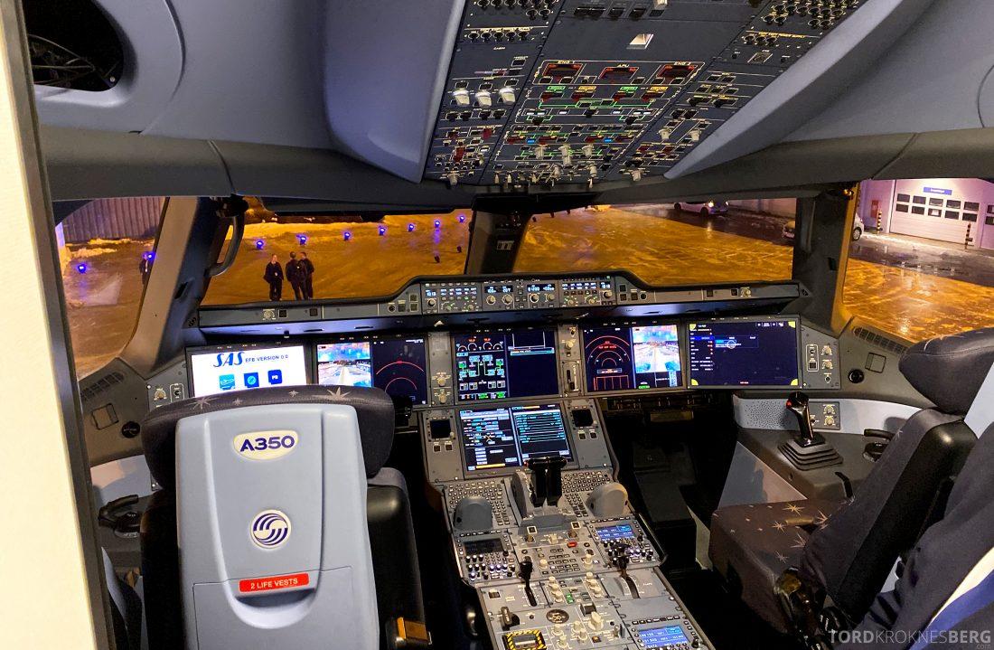 SAS A350 Oslo cockpit