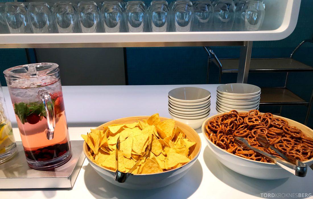SAS Lounge Helsinki snacks