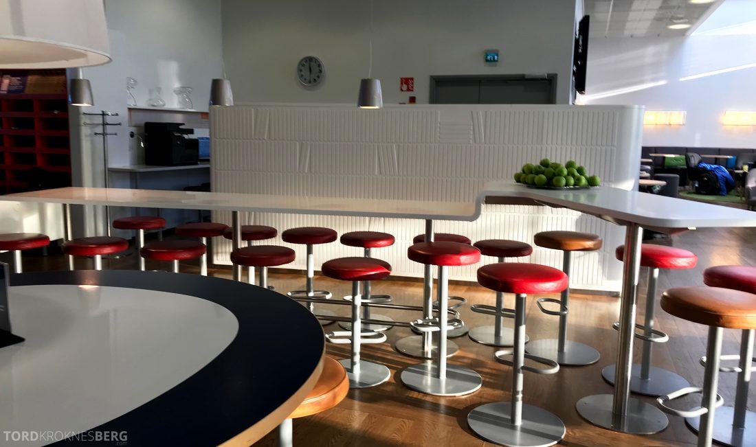 SAS Lounge Helsinki barkrakker