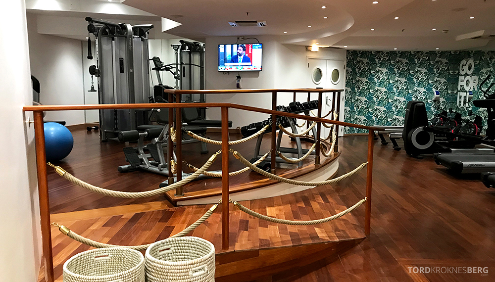 Renaissance La Defense Hotel Paris gym