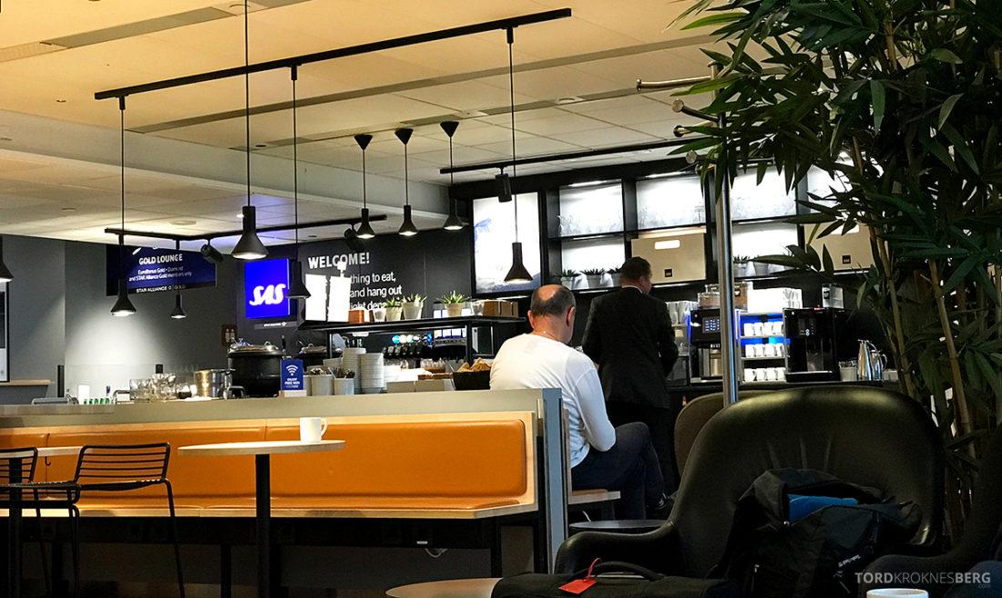 SAS Lounge International Oslo Gardermoen utsikt buffet