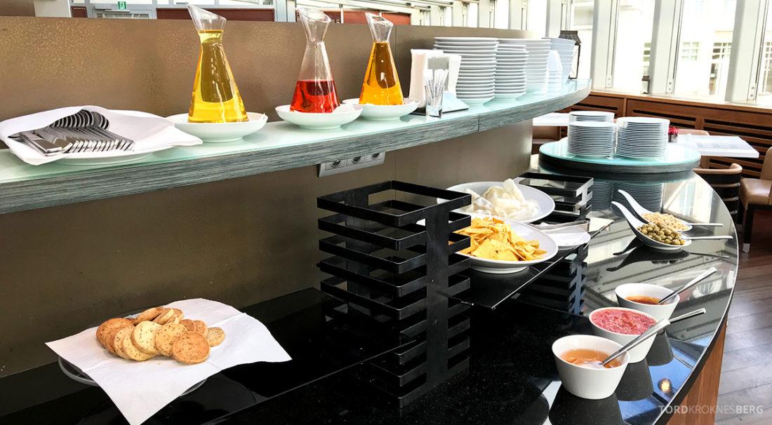 Sheraton Hotel Sopot Club Lounge snacks