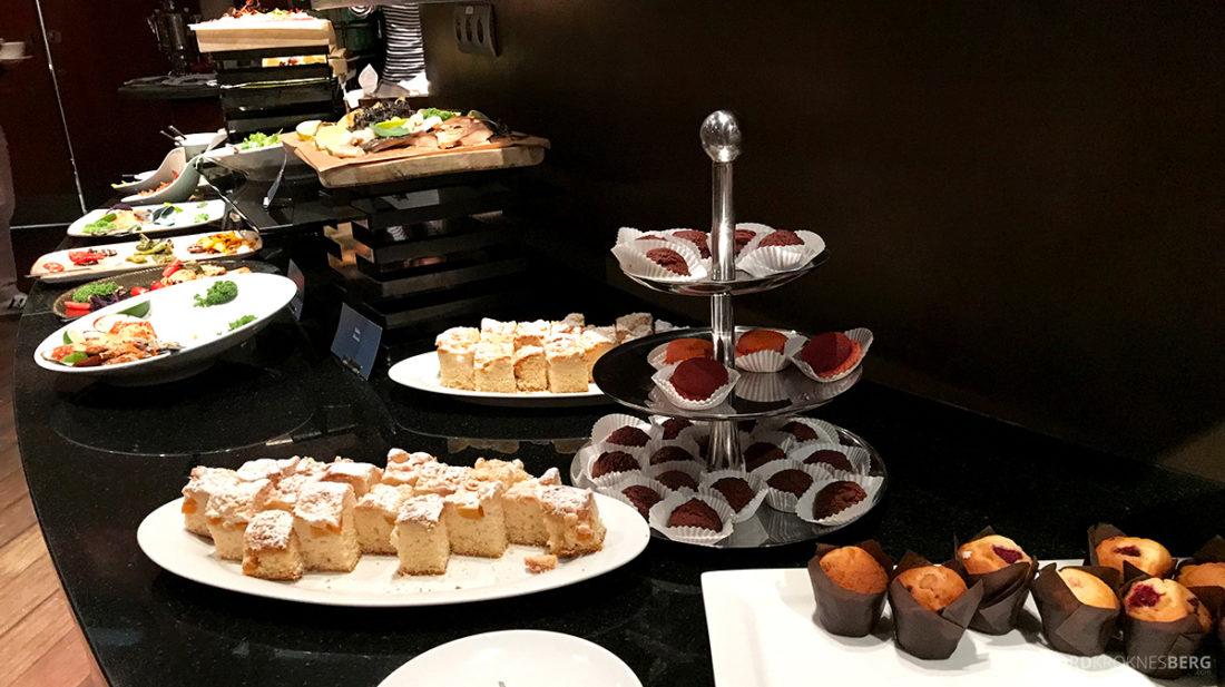 Sheraton Hotel Sopot Club Lounge hors d'oeuvre kaker