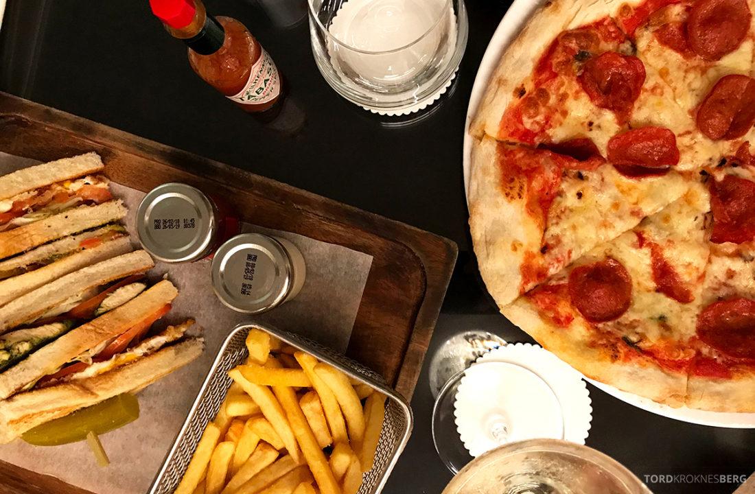 Ritz-Carlton Doha Club Lounge room service pizza