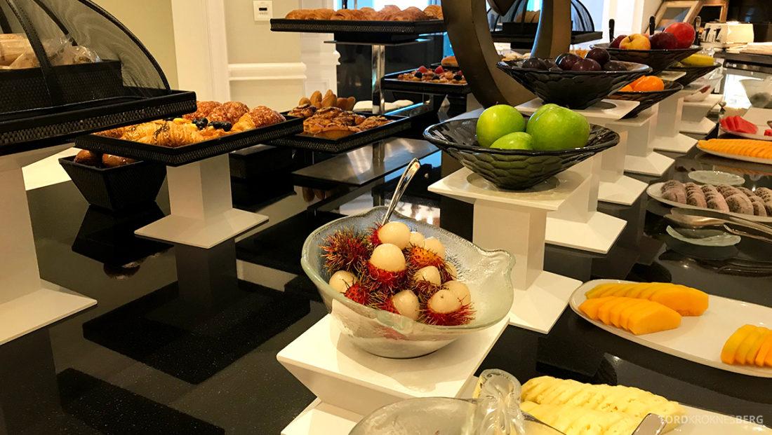 Ritz-Carlton Doha Club Lounge frokostbuffet