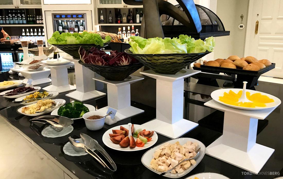 Ritz-Carlton Doha Club Lounge lunchbuffet