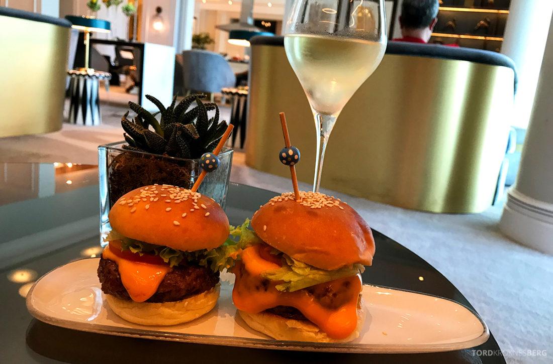 Ritz-Carlton Doha Club Lounge burger