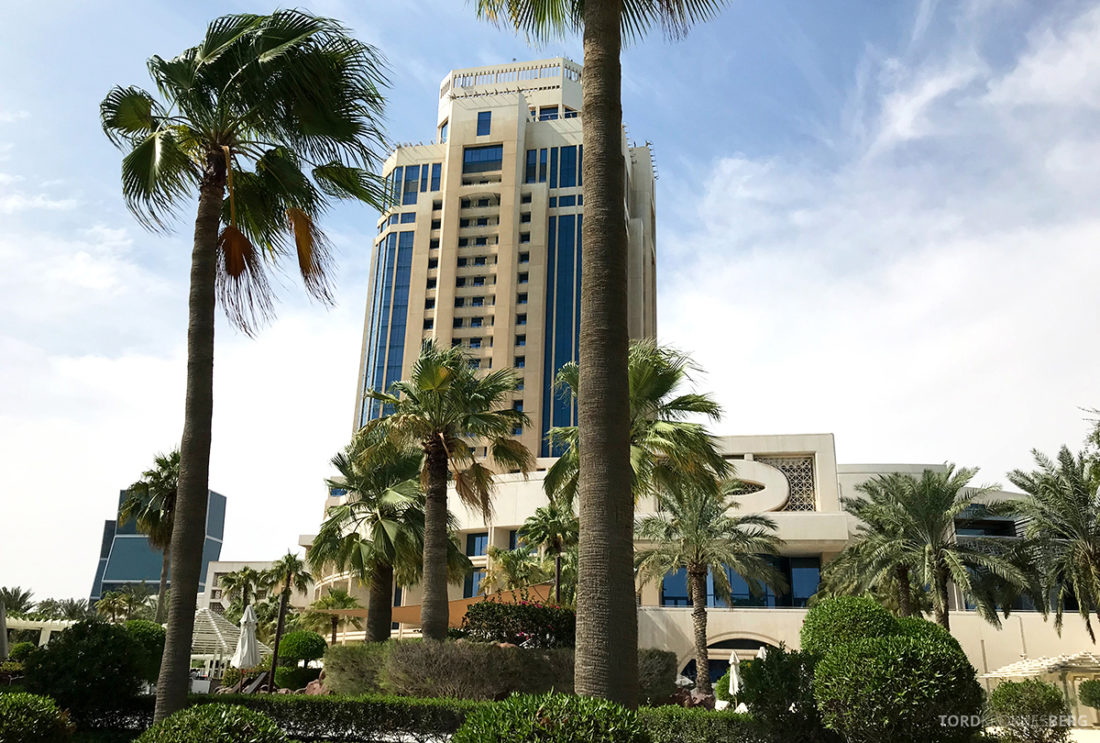 Ritz-Carlton Doha Hotel fasade