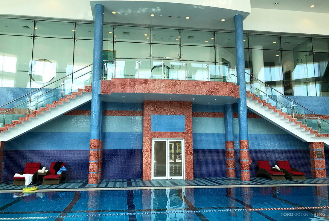 Ritz-Carlton Doha Hotel innendørs basseng