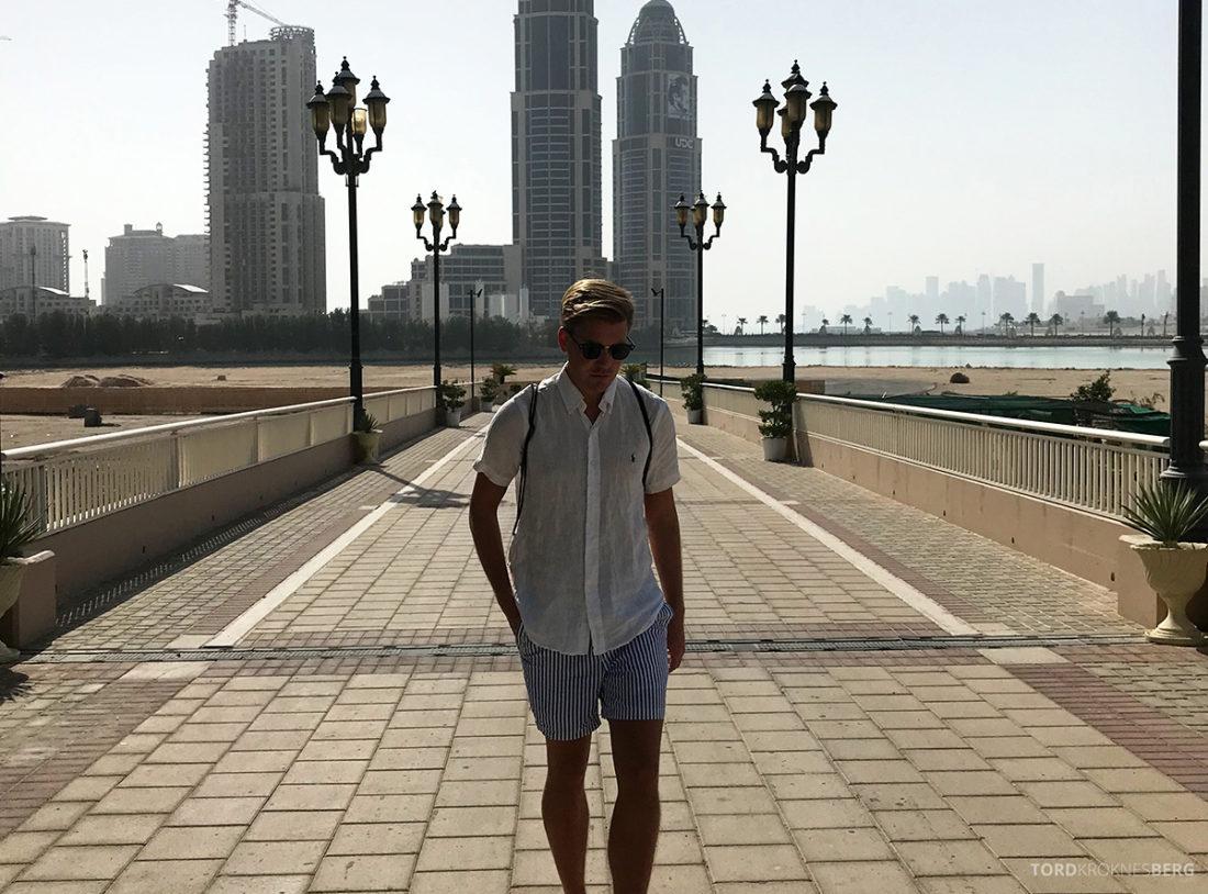 Ritz-Carlton Doha Hotel vei til stranden