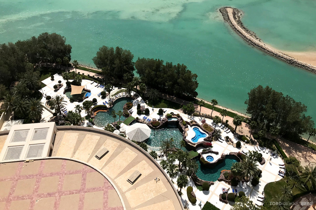 Ritz-Carlton Doha Hotel utsikt bassengområde