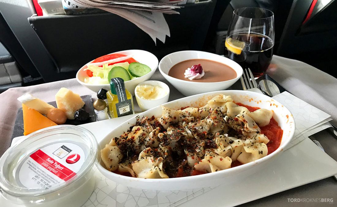 Turkish Airlines Business Class Doha Istanbul Oslo pasta