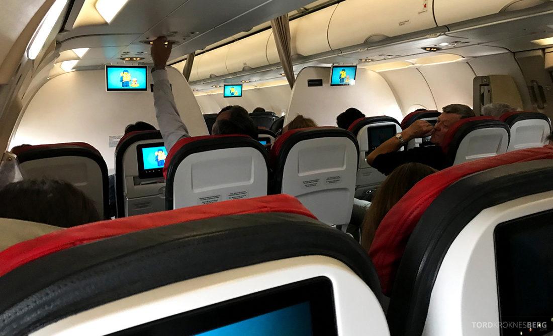 Turkish Airlines Economy Class Oslo Istanbul Doha kabin