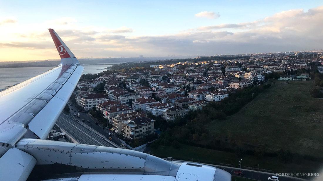 Turkish Airlines Economy Class Oslo Istanbul Doha landing