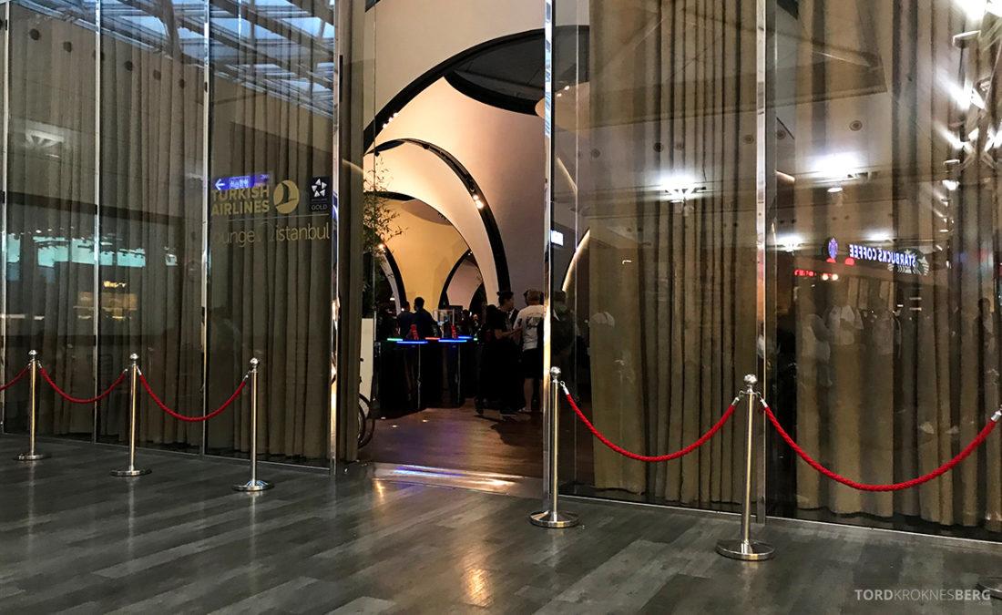 Turkish Airlines Economy Class Oslo Istanbul Doha Lounge