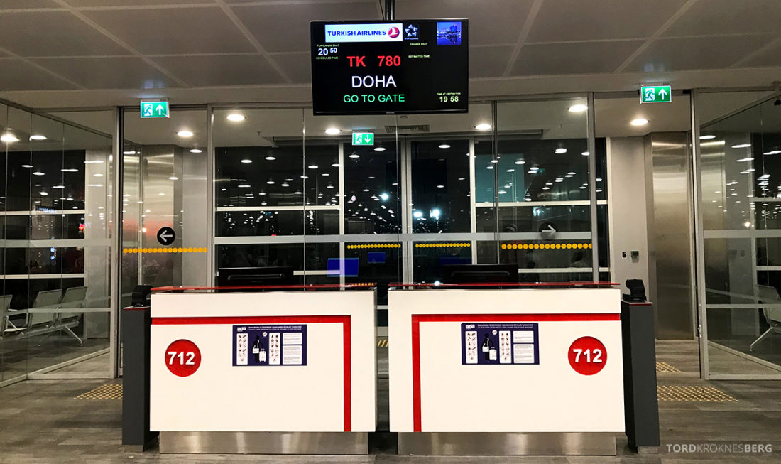 Turkish Airlines Economy Class Oslo Istanbul Doha gate