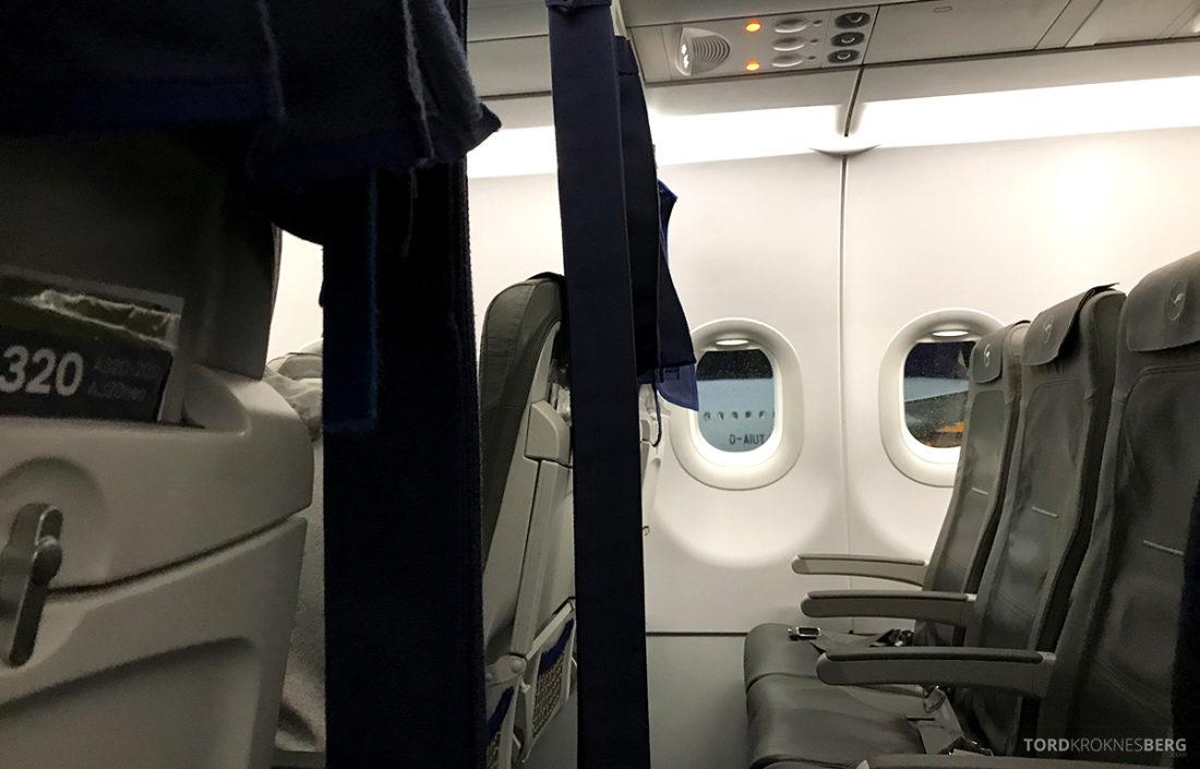 Lufthansa Economy Class Beograd Oslo forheng