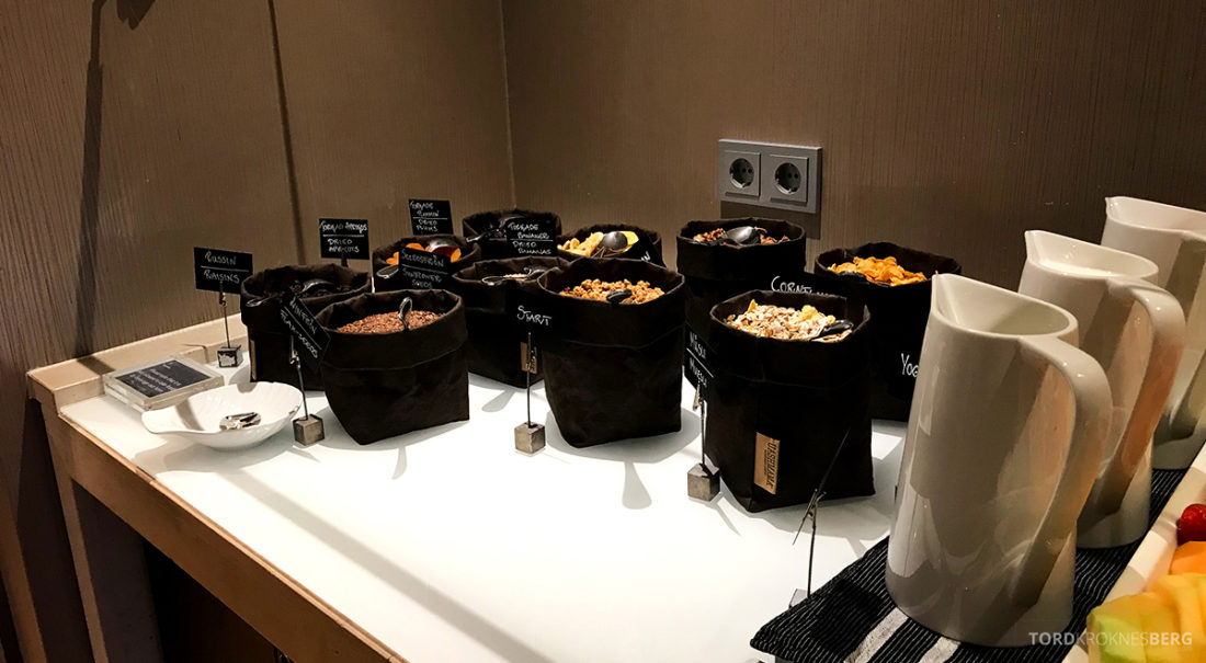 Sheraton Hotel Stockholm Club Lounge frokost korn