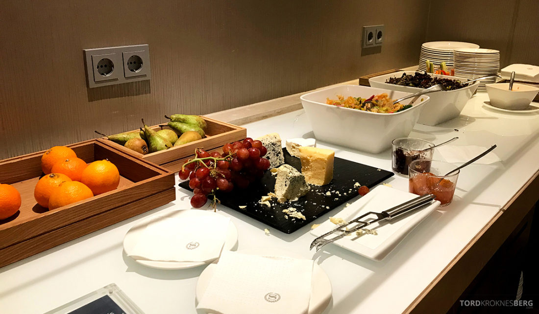 Sheraton Hotel Stockholm Club Lounge hors d'oeuvre ost