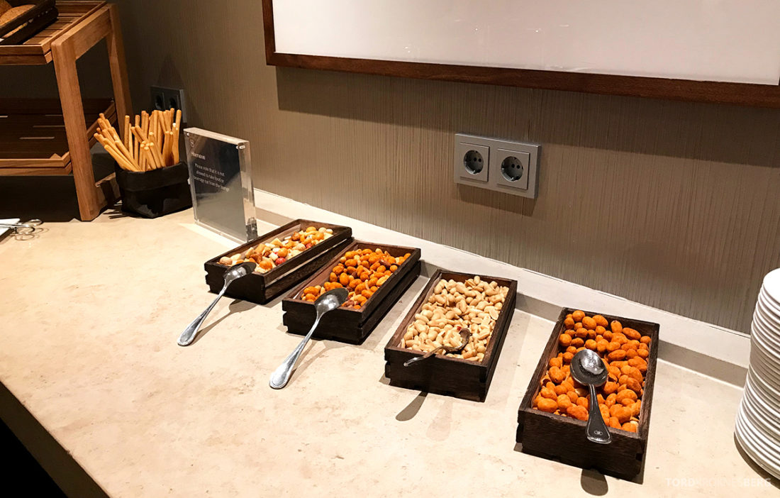 Sheraton Hotel Stockholm Club Lounge snacks