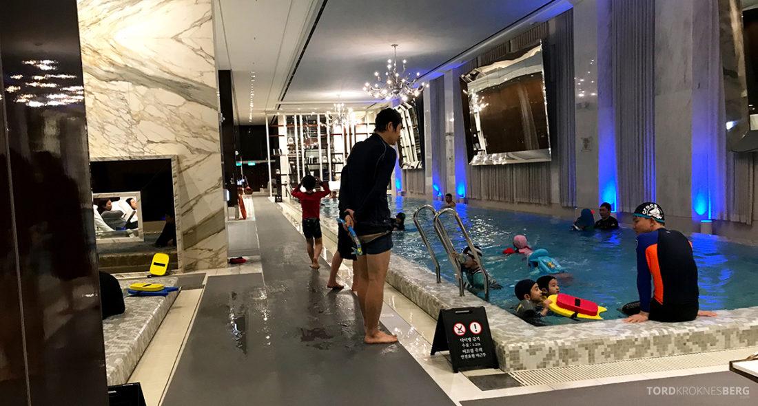 JW Marriott Dongdaemun Square Hotel Seoul suite svømming