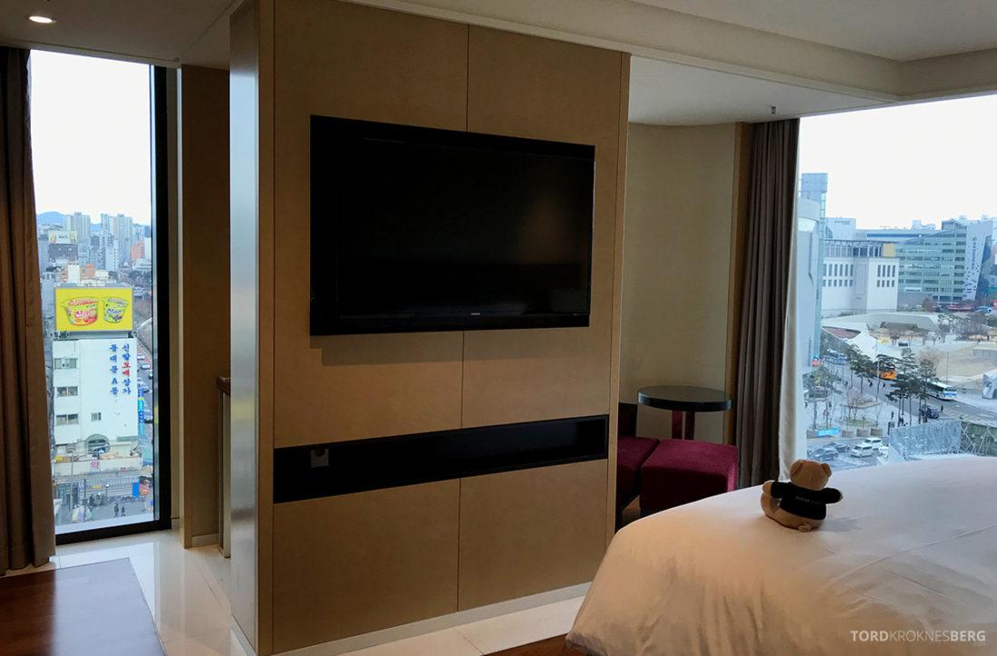 JW Marriott Dongdaemun Square Hotel Seoul suite tv