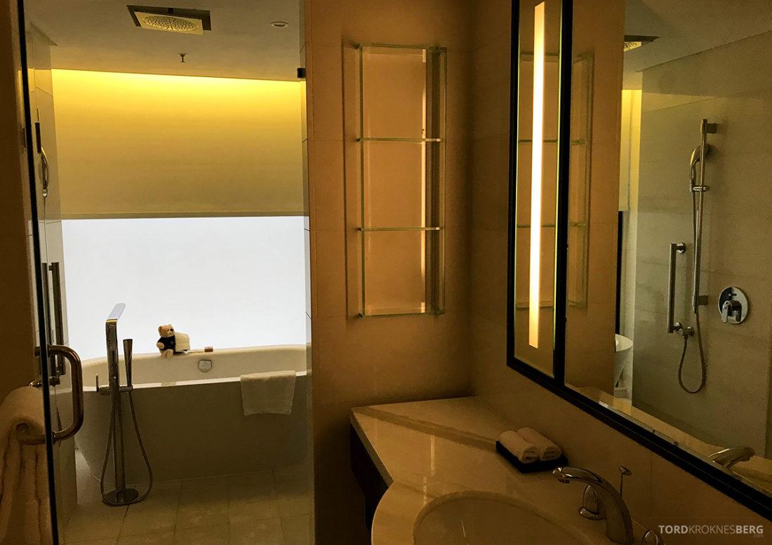 JW Marriott Dongdaemun Square Hotel Seoul suite bad