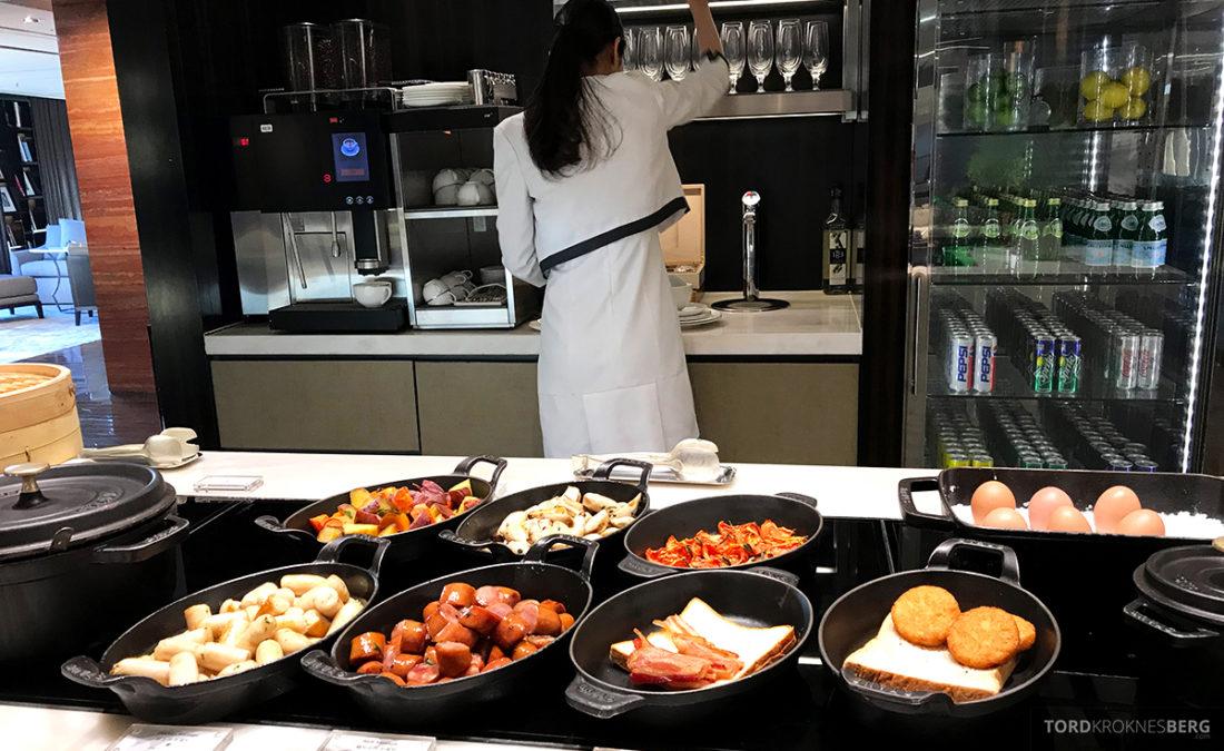 JW Marriott Dongdaemun Square Hotel Seoul Executive Lounge varmmat servitrise