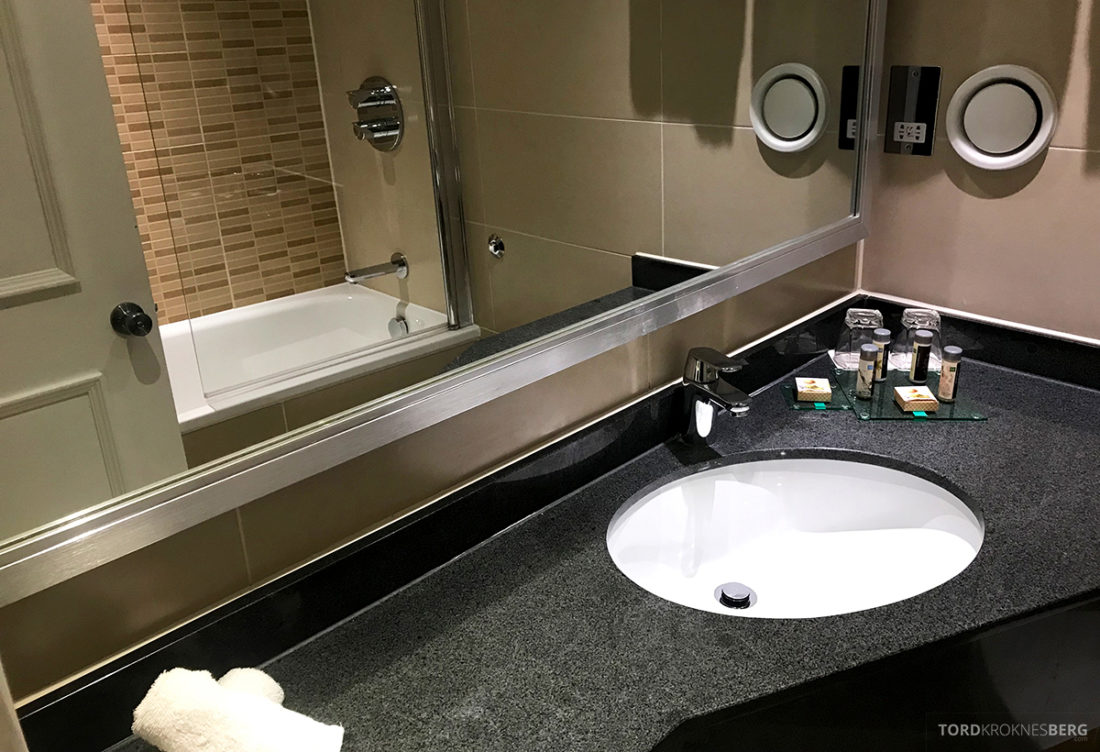 Renaissance Hotel Heathrow London bad