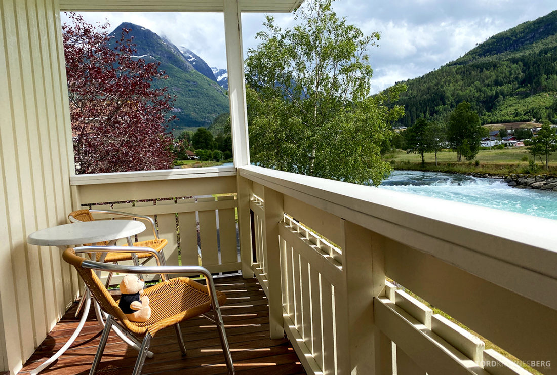 Hotel Loenfjord Stryn reisefølget balkong