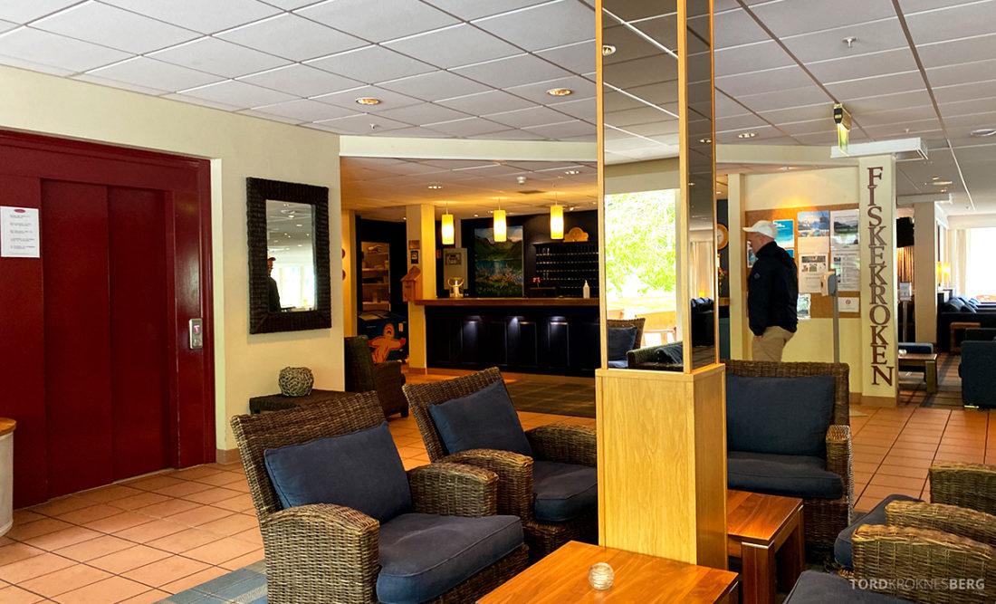 Hotel Loenfjord Stryn lobby