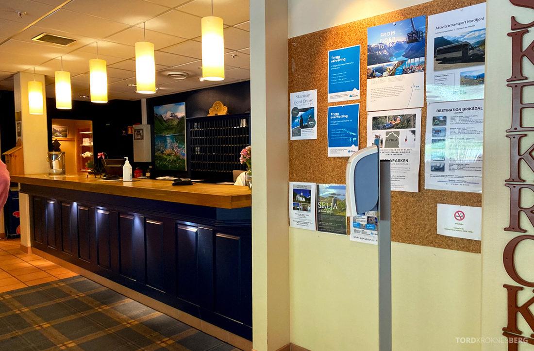 Hotel Loenfjord Stryn resepsjon