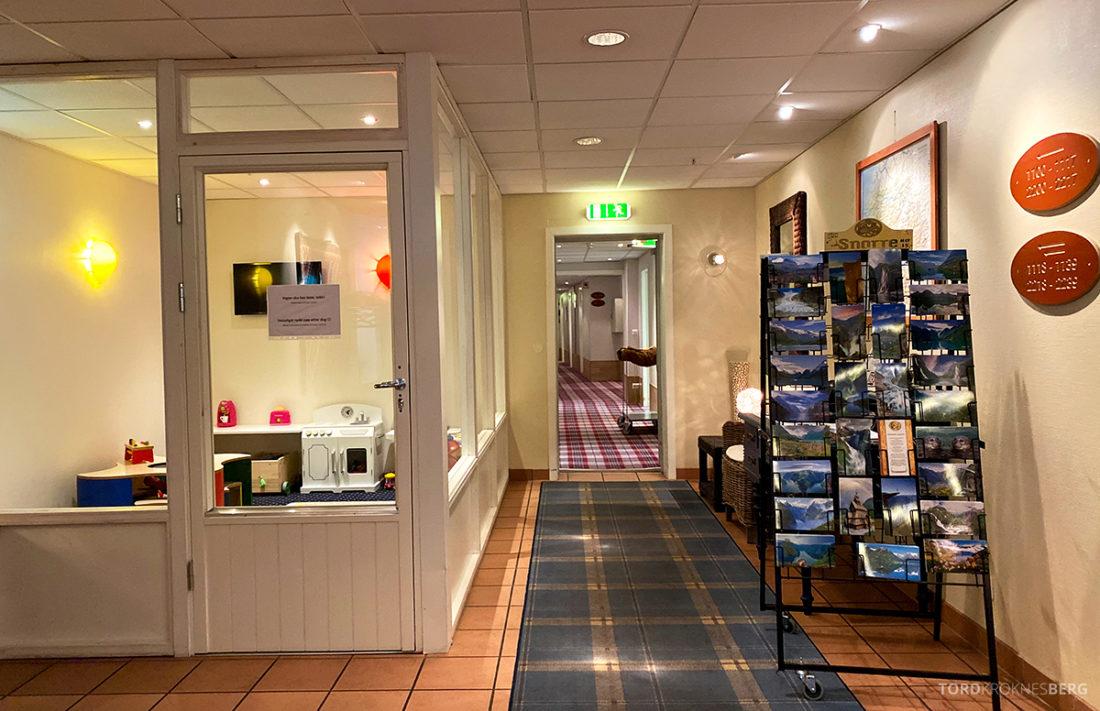 Hotel Loenfjord Stryn lekerom