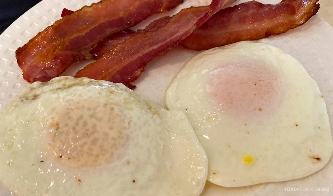 Hotel Loenfjord Stryn egg og bacon