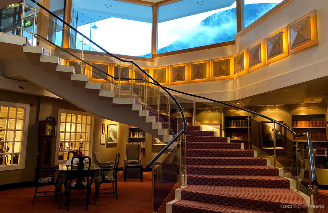 Hotel Ullensvang Hardanger Norge trapp
