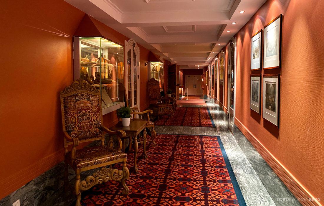 Hotel Ullensvang Hardanger Norge historisk gang