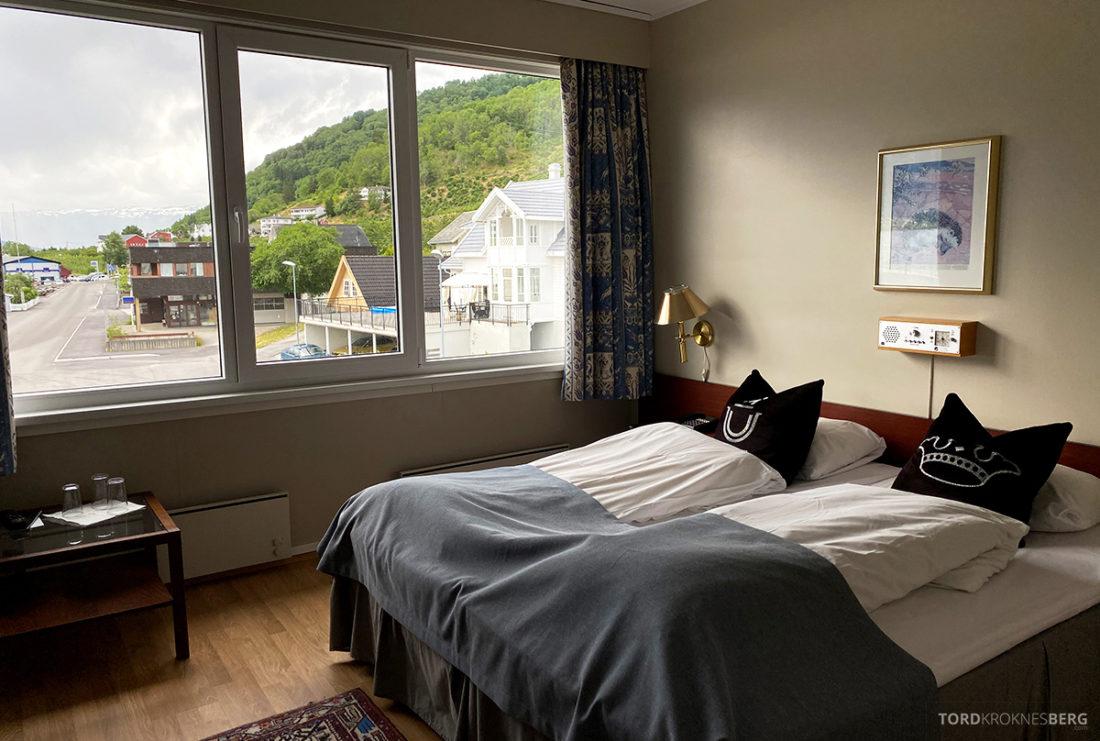 Leikanger Fjord Hotel seng