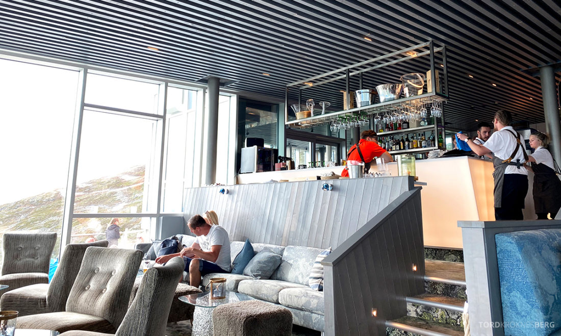 Loen Skylift Hoven Restaurant bar