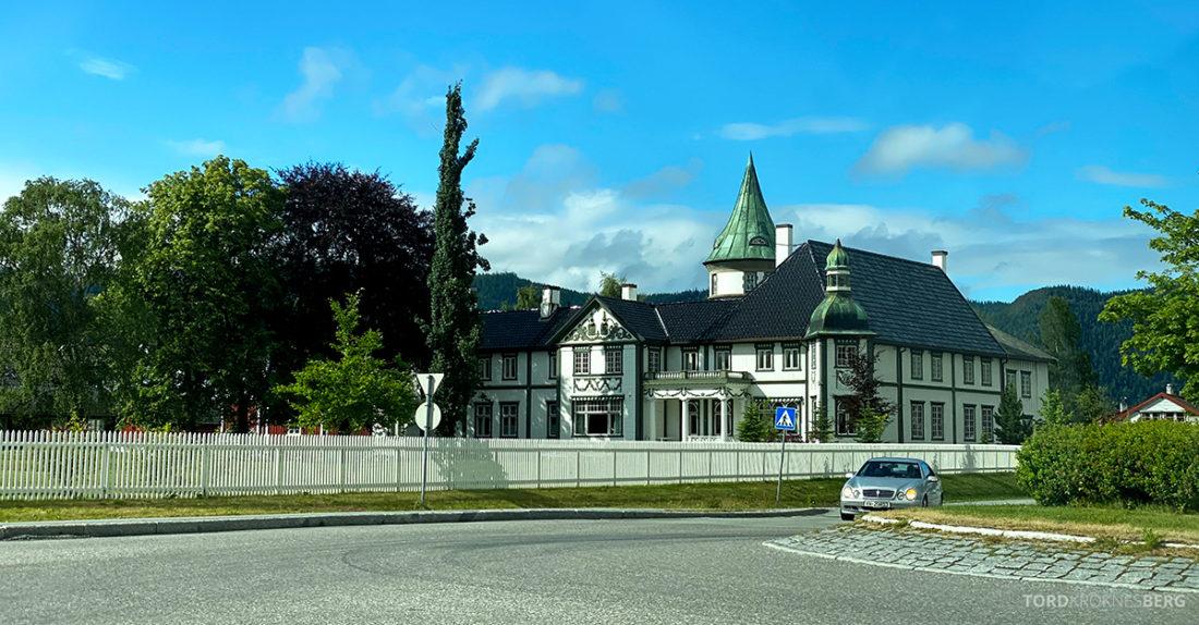 Bårdshaug Herregård Hotel Orkanger fra veien