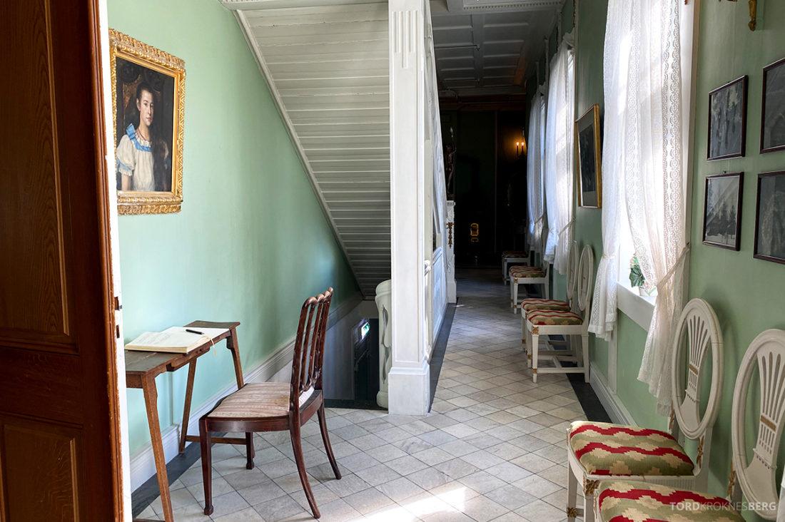 Bårdshaug Herregård Hotel Orkanger korridor
