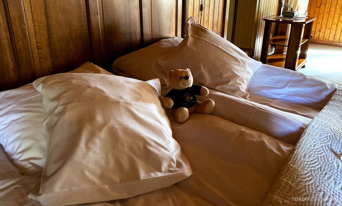 Bårdshaug Herregård Hotel Orkanger reisefølget seng