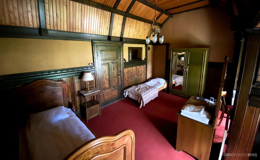 Bårdshaug Herregård Hotel Orkanger pikeværelse